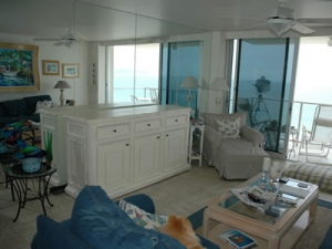Beach home with Scarlet and hidden TV