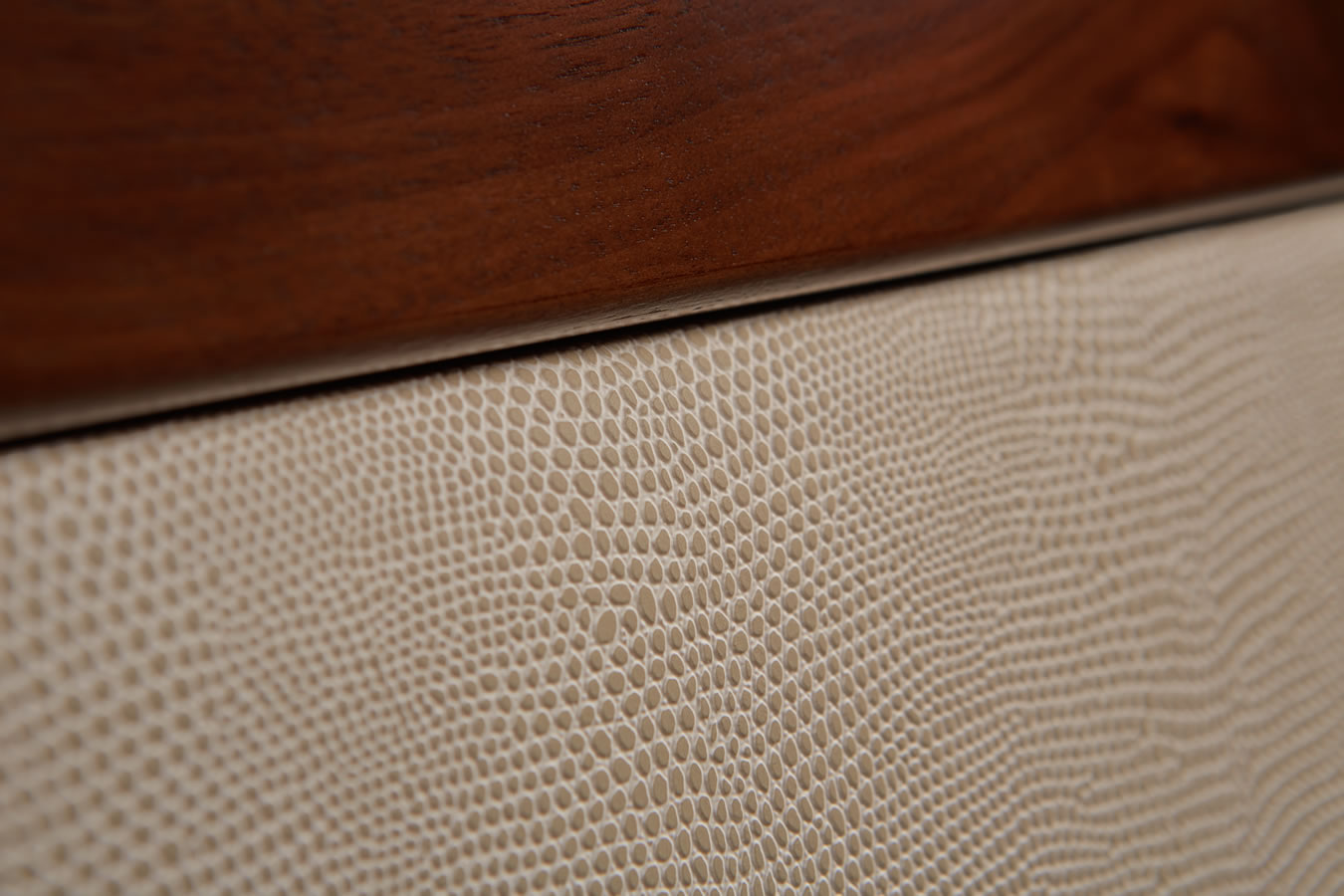 Great Close Up Of The Sorrento Faux Furniture With Leather