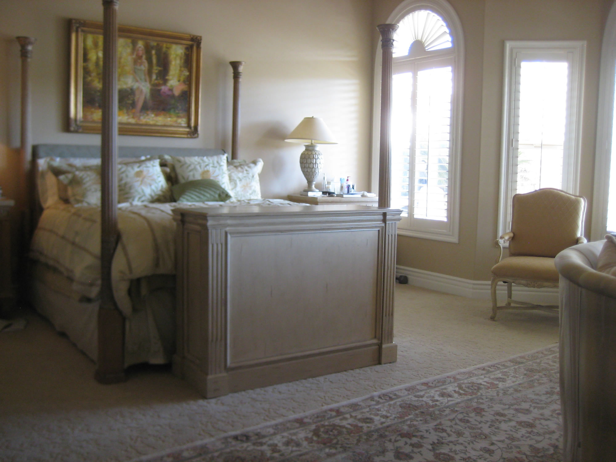 main ritz camden white tv lift cabinet at the foot of bed cabinet tronix. Black Bedroom Furniture Sets. Home Design Ideas