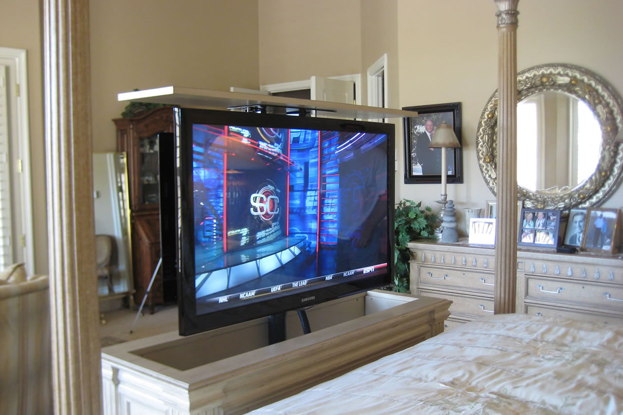 Lift Cabinet With Camden White Finish Here Is An Example Of A Tv At The End Bed That Gets Hidden