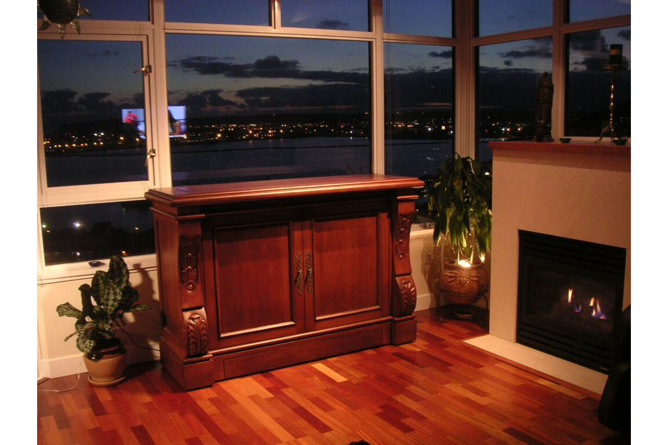 photo of Sabre motrized TV lift cabinet in living