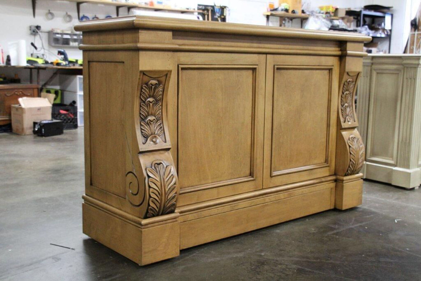 Sabre Family Room TV Lift Cabinet