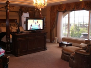 Watch favorite show from sitting area with Greenwich swivel
